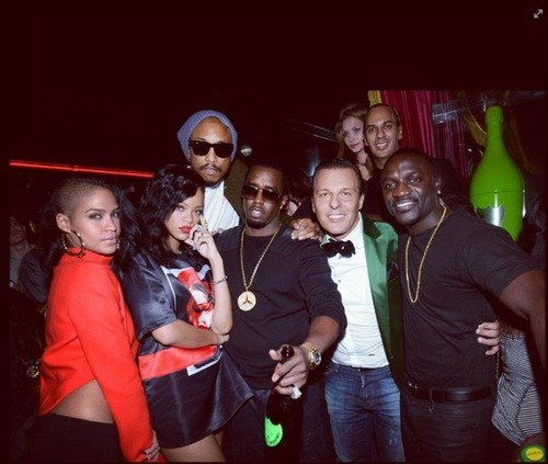 Rihanna bumped into a few friends and managed to squeeze in some party time while in Paris yesterday for her 777 Tour.